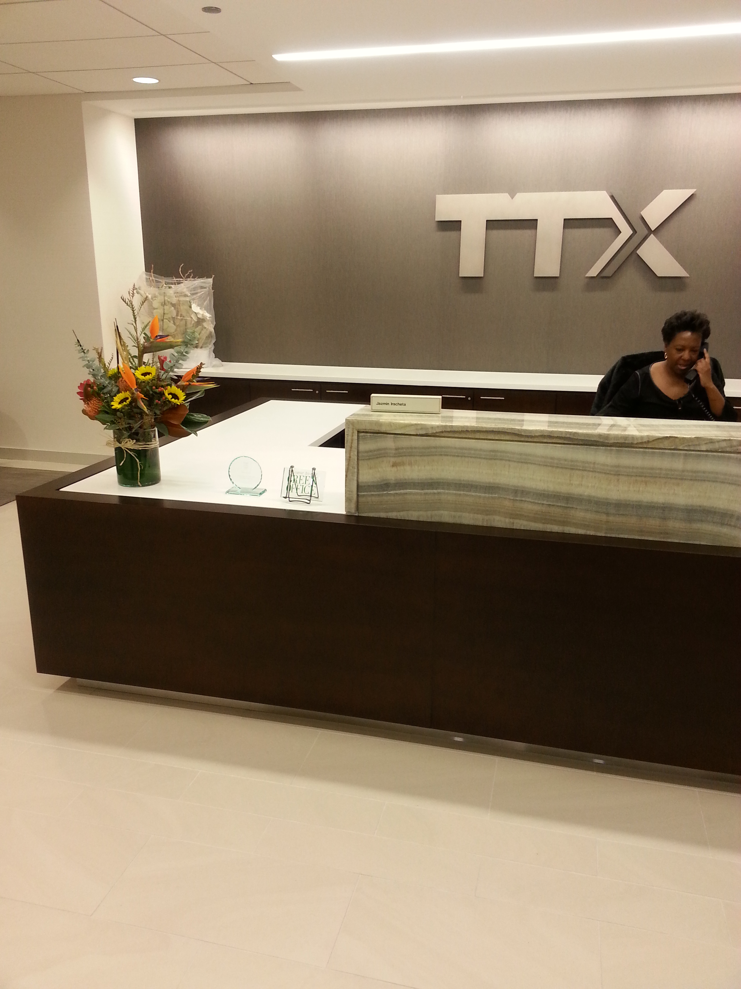 TTX RECEPTION DESK