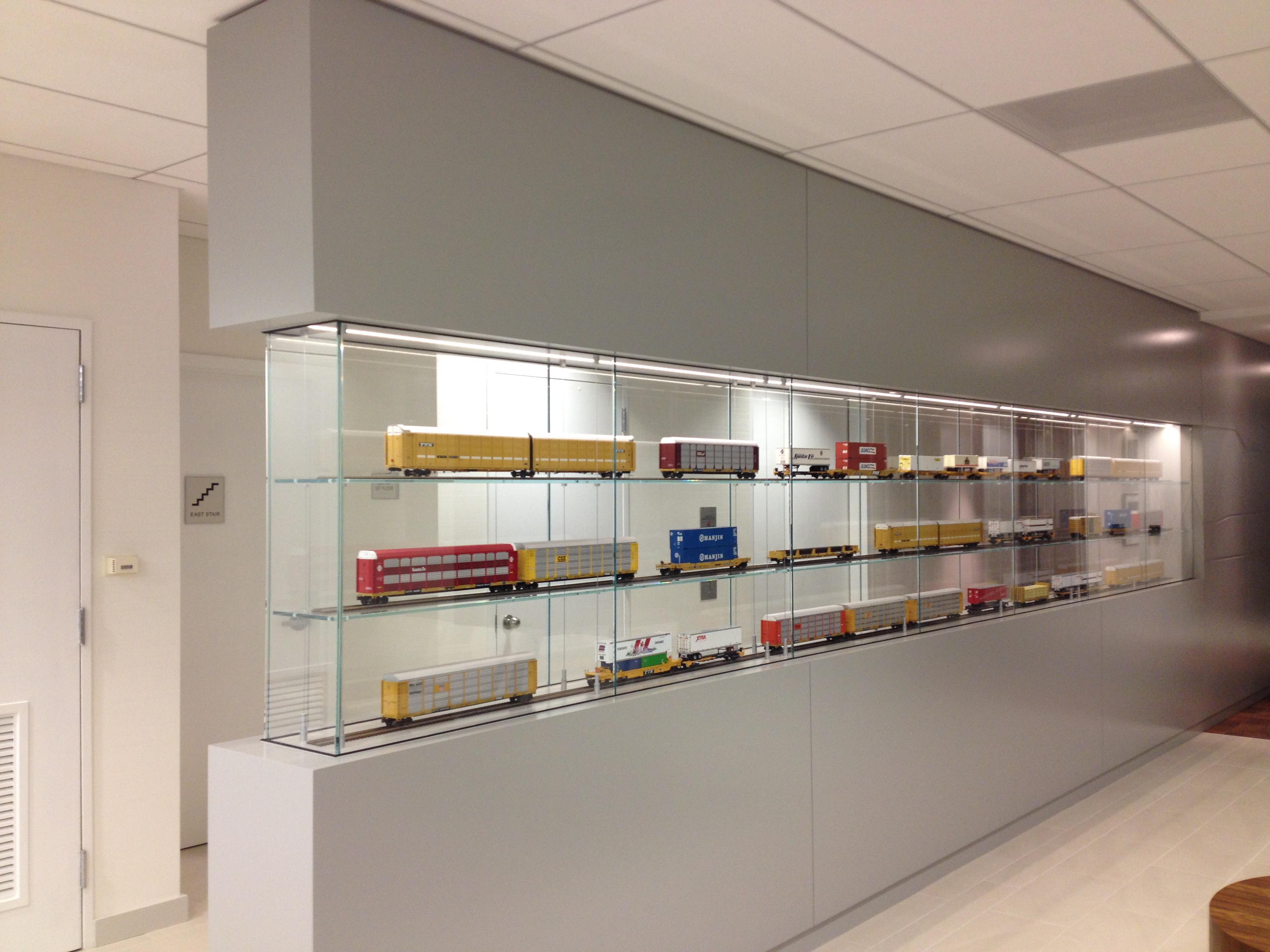 TTX TRAIN DISPLAY CASE